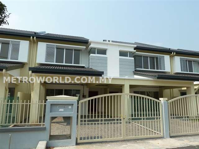 BANDAR PARKLANDS (FREESIA) 2 STRY TERRACE. RM460,000