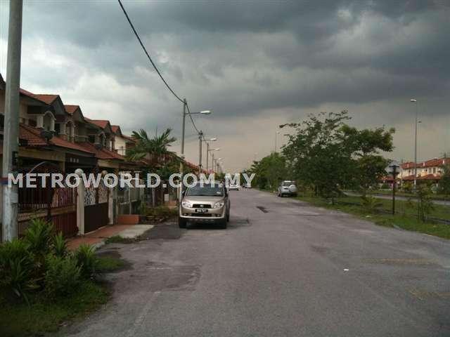 BANDAR PUTERI,2 STRY LINK HOUSE.RM348,000