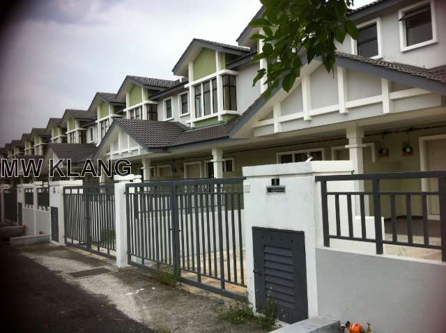 BANDAR PUTERI, BRAND NEW 2 STOREY HOUSE,END LOT, LAVENDAR. RM550,000
