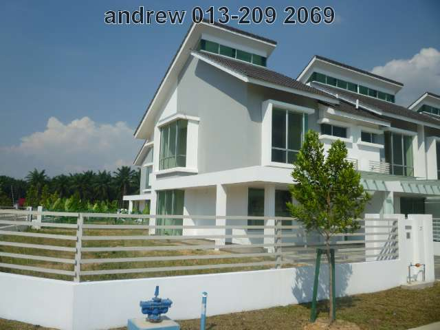 "BANDAR BUKIT RAJA,2-STY HOUSE""ELLIS"",RM628,000"