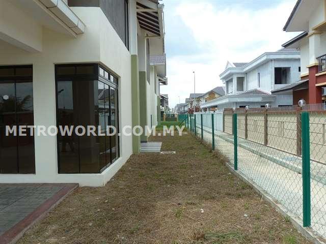 BANDAR PARKLANDS,NEW BRAND 2 STY SEMI-D,RM750,000
