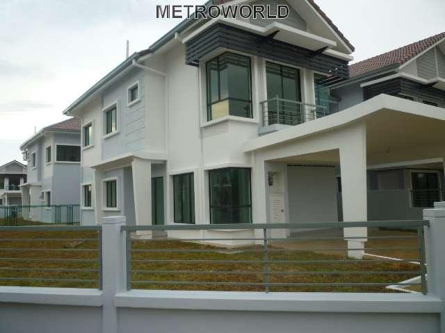 """BANDAR BUKIT RAJA,2 STY LINK HOUSE""""AVIRA"""",RM728,000"""