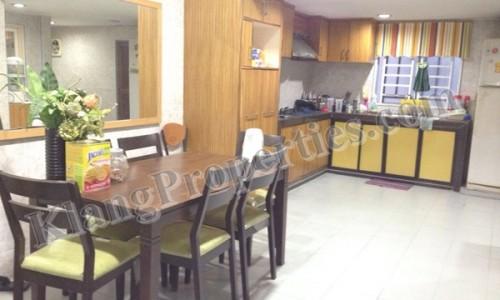 BANDAR BOTANIC, KIARA, 2 STRY HOUSE, PARTLY RENO . 20X75 SF. RM 680,000