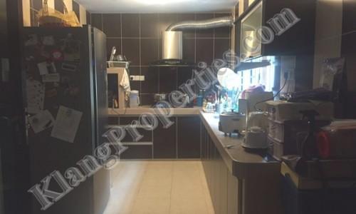BANDAR BOTANIC, 2 STRY HOUSE, FULLY RENO . 22X75SF. RM 780,000