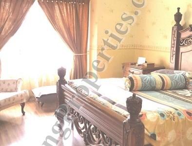 BANDAR BOTANIC, JENARIS, 2 STRY HOUSE, FULLY RENOVATED . 20X65 SF. RM 650,000